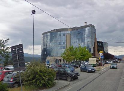 Regione Abruzzo – Palazzo Silone – Sede della Giunta Regionale (punto di accesso anche per il Liceo Classico e l'Accademia delle Belle Arti)